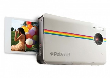 Polaroid Snap Revives Nostalgia of Classic Instant Camera