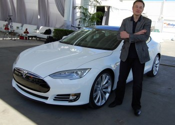 Elon Musk predicts that one would be able to summon Tesla from anywhere in 2018