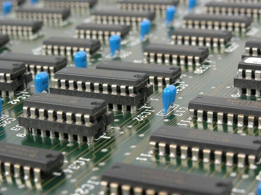 Undetectable Hardware Backdoor To Help Data Theft
