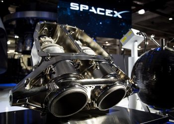 SpaceX in Talks to Launch 4,425 Satellites for Global High-Speed Internet