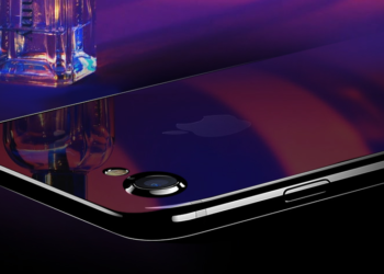 Shine with the Mirror-like Design of the iPhone 8