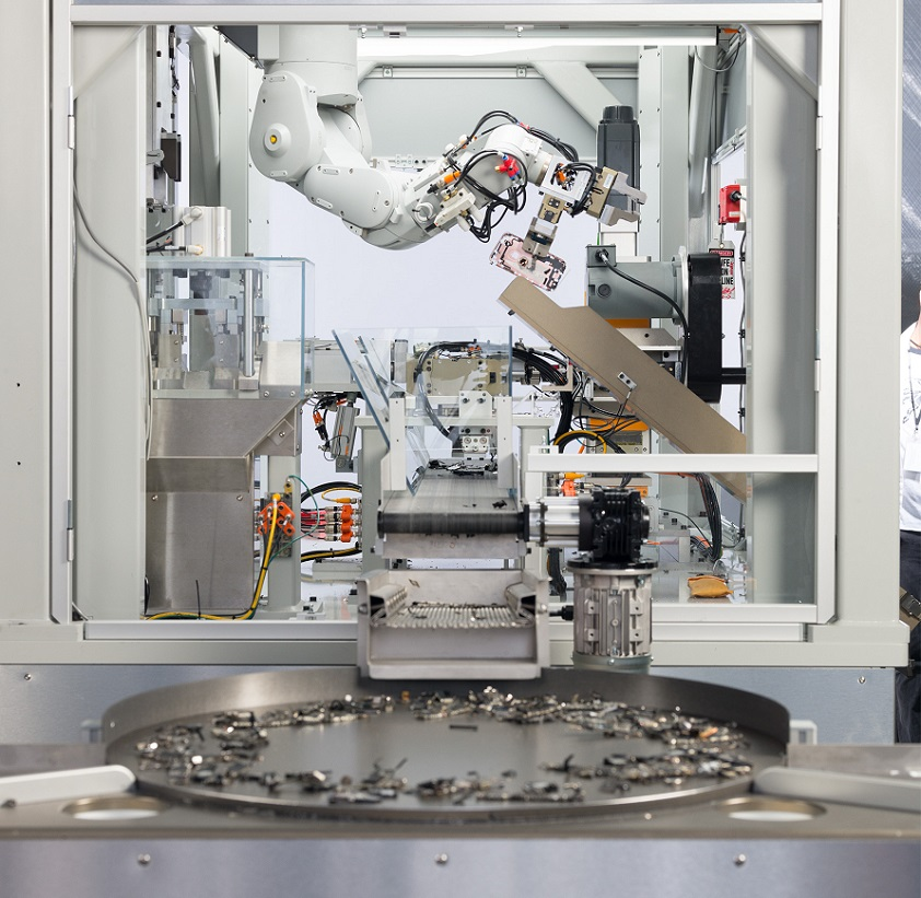Apple unveils its second iPhone-disassembling robot to mark Earth Day
