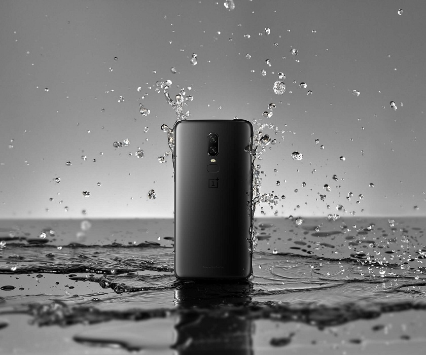 OnePlus 6 Review Splash Proof