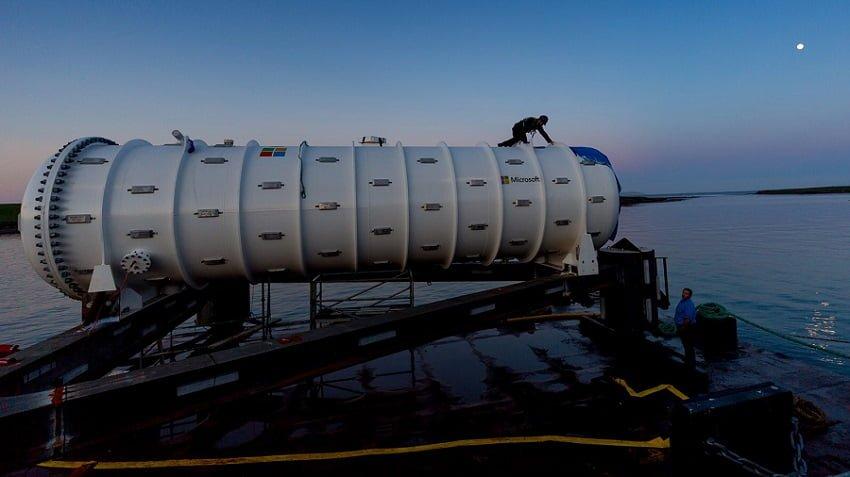 Microsoft Deploys a Submarine Server in Scotland