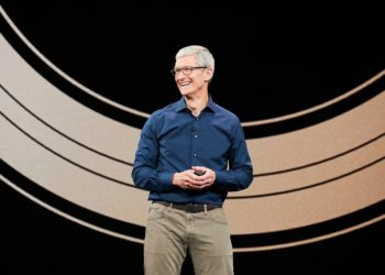 Apple collaborates with Salesforce to build strong iOS apps for businesses