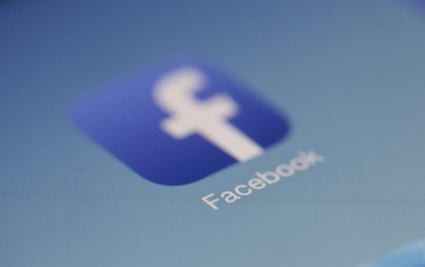 Facebook app undeletable