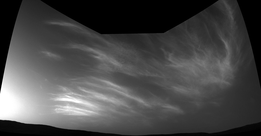 Mars NASA Clouds Curiosity Rover