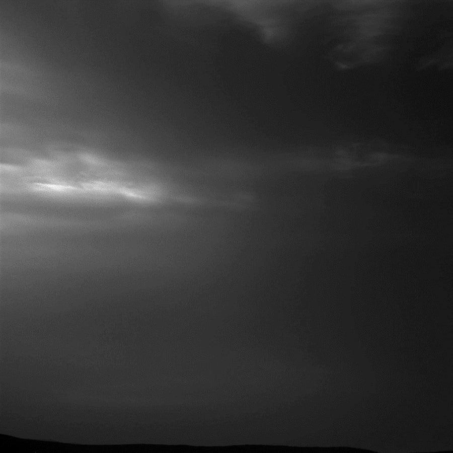 NASA Clouds Mars Curiosity Rover