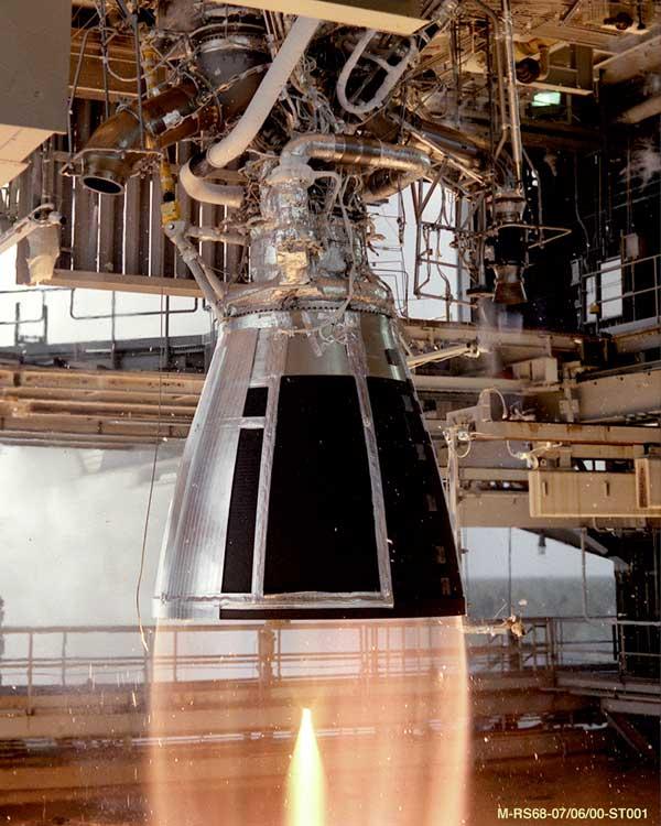 RS-68_rocket_engine_test