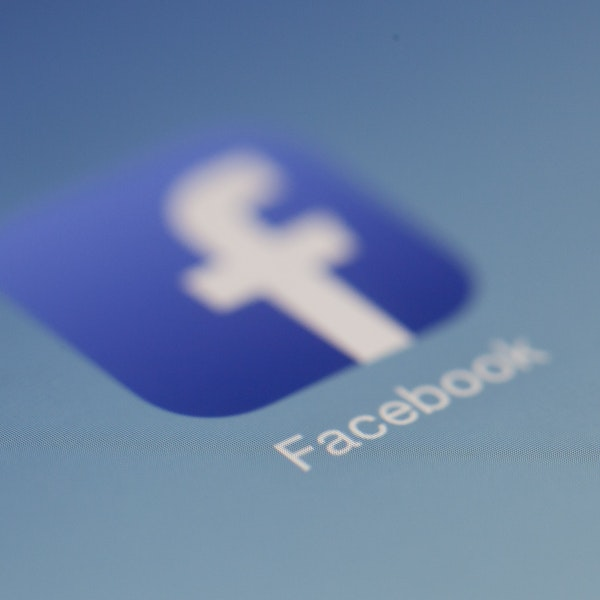 Apple and Facebook slug it out over privacy issues and data sharing