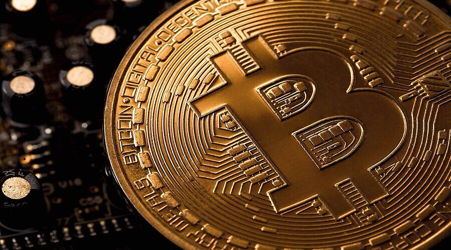 Cryptocurrency, Cryptocurrency trading, crypto market, cryptocurrency exchange, investors, traders, physical gold, trading
